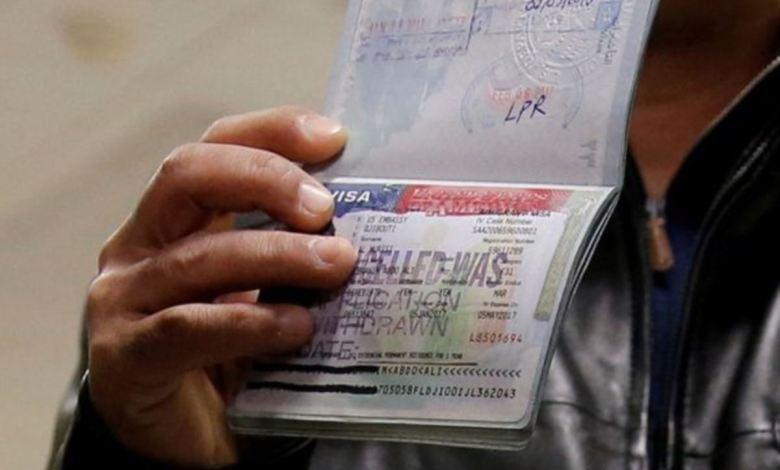 Nueva regla de EE.UU. podría descalificar a la mitad de solicitantes de visado 1
