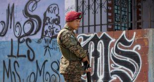 El Salvador cambia estrategia antipandillas con ayuda de EEUU 13
