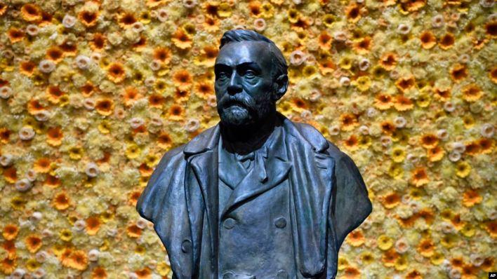 La controversia acecha los premios Nobel de Paz y Literatura 2