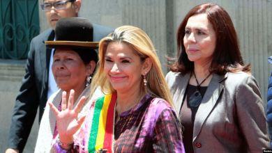 Photo of Bolivia: Gobierno interino confirma cese de embajadores designados por Evo Morales