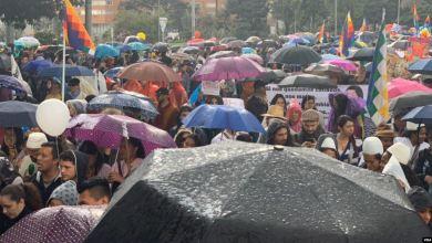 Miles de colombianos acatan paro nacional, protesta termina en enfrentamiento 4