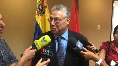 """Solución a la crisis venezolana es """"política"""", afirma senador suizo 4"""