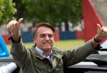 Photo of Bolsonaro firma proyecto de ley para combatir violencia en Brasil