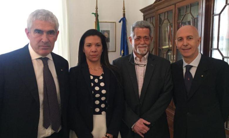 Diputados venezolanos opositores son recibidos en Italia 3