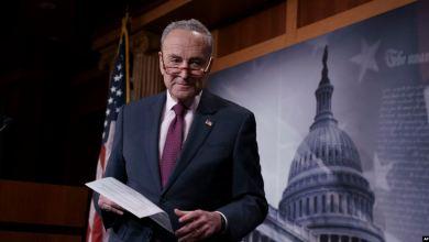 Schumer pide declaración en el Senado de cuatro funcionarios de la Casa Blanca para juicio político a Trump 8