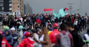 Regresan protestas y enfrentamientos con la policía en Colombia 4