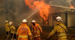 Tres bomberos estadounidenses mueren en accidente aéreo en Australia 4