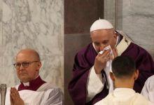 Photo of El papa Francisco indispuesto con tos y estornudos