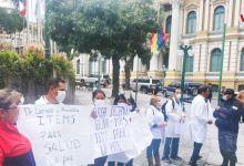 Photo of Bolivia: Médicos piden más equipo y protección tras decretar cuarentena total