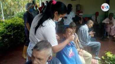 """""""Aquí nadie sale"""": ancianos en Venezuela sortean el coronavirus en asilos sin visitas 5"""