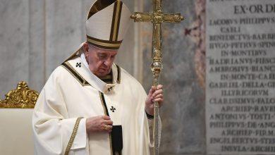 El papa acepta la renuncia de un obispo que no denunció abusos 2