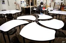 Escuelas públicas en EE.UU. deben compartir la ayuda por la pandemia con las escuelas privadas 1
