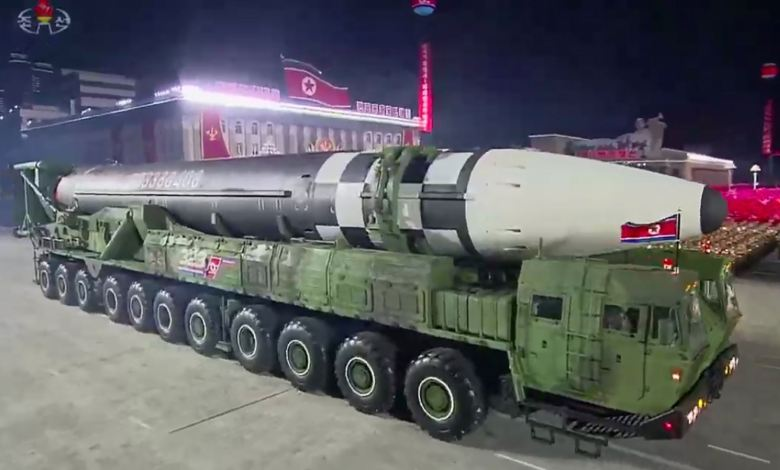 Corea del Norte presenta misil de largo alcance y expertos advierten posible amenaza a EE.UU. 1