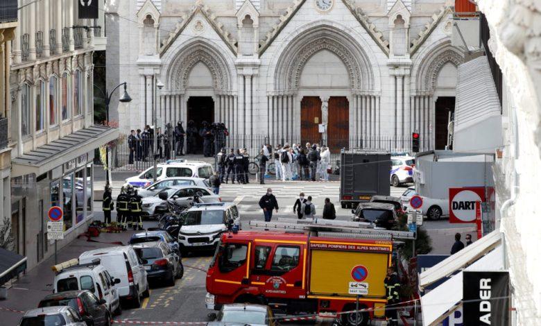 Francia: Atentado terrorista en Niza deja al menos tres fallecidos 1