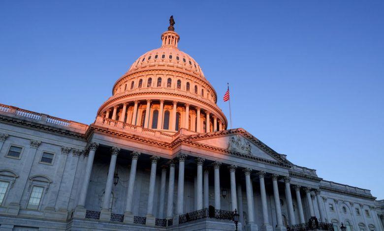 """Policía advierte que radicales estarían planeando """"volar"""" el Capitolio durante discurso de Biden 1"""