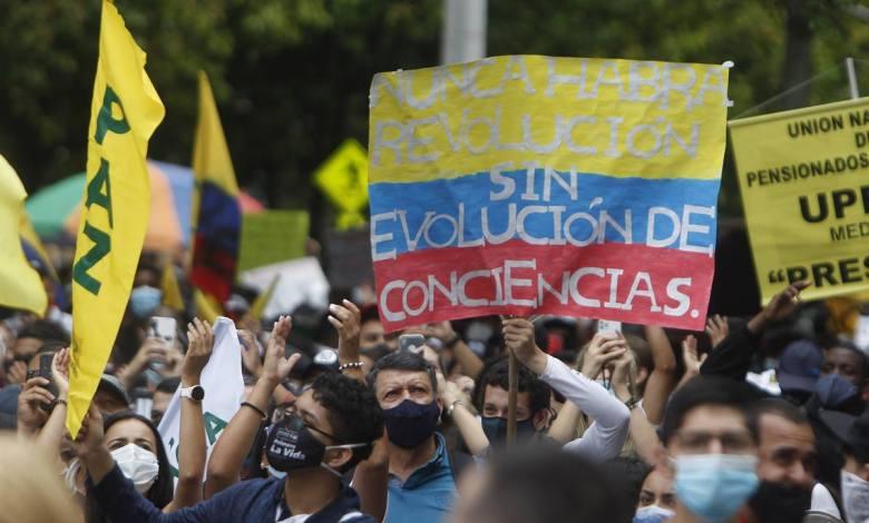 Colombia: Reforma tributaria desata ola de protestas en todo el país 1