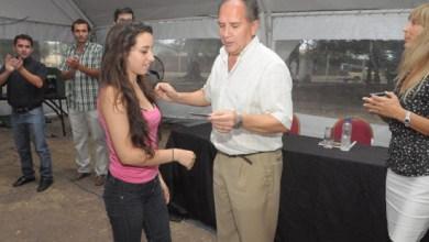 Photo of Intendente de Ituzaingó entregó tarjeta Envión