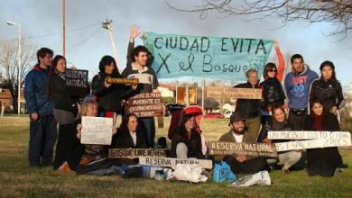 Photo of Ciudad Evita: Vecinos colocaron sus propios carteles concientizadores en el bosque
