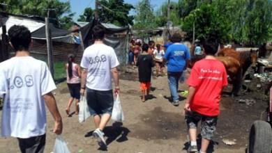 Photo of A días de la Navidad: Militantes recorrieron los barrios en los que trabajan y saludaron a los vecinos