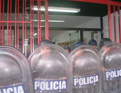IZQ CATOLA (2)