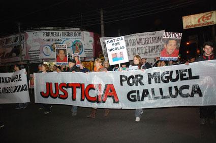 MAT6 marcha_Inseguridad