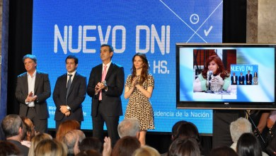 Photo of Randazzo, Junto Cristina Fernández De Kirchner, Presentó El Nuevo DNI 24hs Que Ya Se Puede Tramitar En Capital Federal
