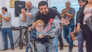 Photo of Facundo Aveiro premia el esfuerzo de los hijos de los trabajadores químicos.