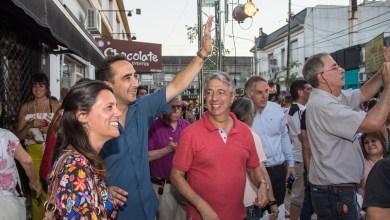 """Photo of """"Yo Compro Acá"""" llegó a Haedo con un megadesfile"""