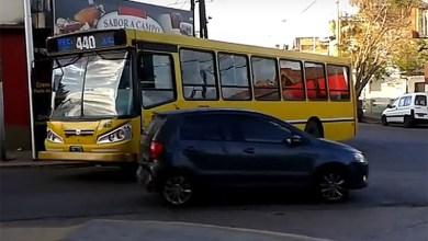 Photo of Una mujer apuñaló a un chofer de colectivos