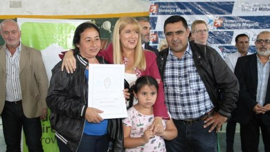 Photo of Entrega de escrituras a 240 familias