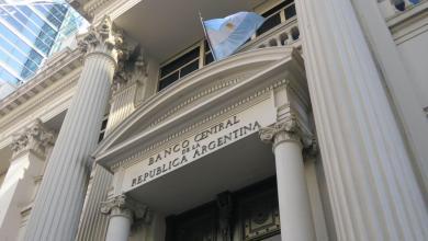 Photo of Para frenar al dólar, el Banco Central sale a cancelar Lebac