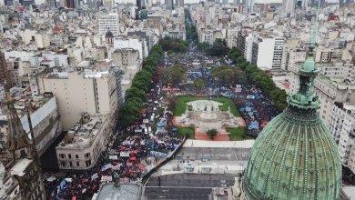 Photo of Urgente: graves incidentes en las afueras del Congreso
