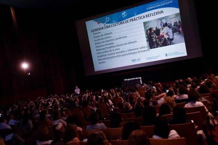 Más de 1000 docentes