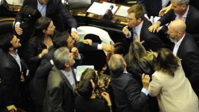 Photo of Convulsión en el recinto: Filmus-Massot y la puesta en escena de la grieta política