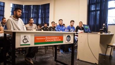 Photo of La UNLaM incorporó mesas adaptables para alumnos con movilidad reducida