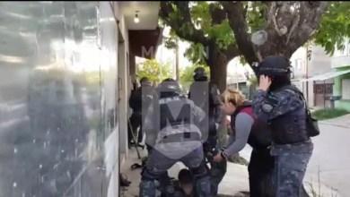 Photo of Reciben a los tiros a policías de Morón durante allanamientos