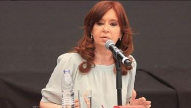 Photo of CFK habló de los pañuelos celestes y Myriam Bregman la cruzó en Twitter