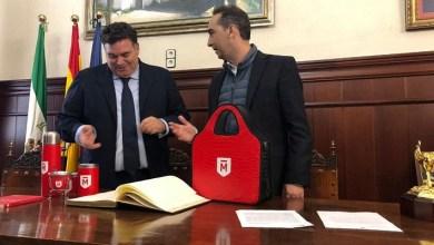 Photo of Tagliaferro firmó convenio con Morón de la Frontera y recorrió el Parque Tecnológico Aerópolis