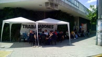 Photo of Lomas del Mirador: por el despido de once operarios continúa la toma de la gráfica Interpack