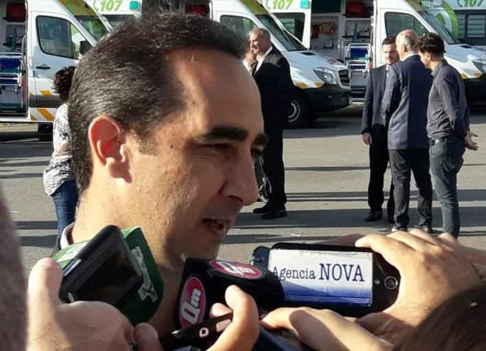 El intendente de Morón convocó al violento de Salinas y lo echó por amenazar con tiros a Llaneza y a sus hijos