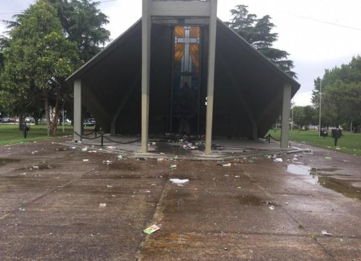 Morón: vándalos destruyeron el Monumento a los Caídos en Malvinas erigido en El Palomar