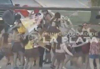 Photo of Estaba alcoholizada e intentó atropellar a un grupo de jóvenes que festejaban su «UPD