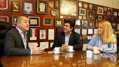 Photo of Fernando Espinoza y Verónica Magario se reunieron en Ensenada con Mario Secco y hablaron con comerciantes