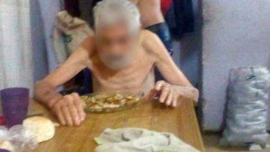 Photo of Denunció a su propia madre y hermanos por mantener a su padre como un esclavo