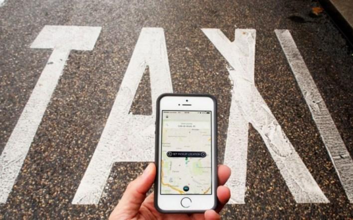 Más de 100 taxistas de La Plata ya usan su propia app para competir contra UBER