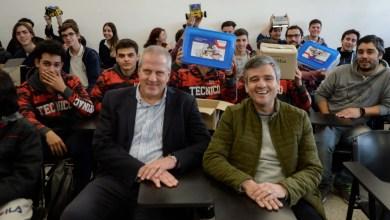 Photo of Hurlingham: El intendente entregó kits de robótica a las escuelas técnicas locales