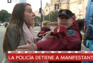 Photo of La policía atacó a C5N mientras cubría la represión a organizaciones sociales en el Obelisco