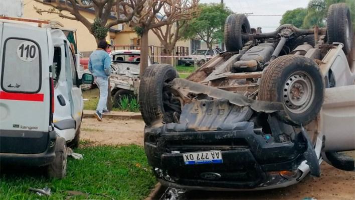 Protagonizó violentísimo choque y vuelco tras descompensarse al volante