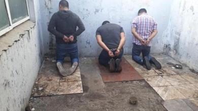 Photo of Detienen a tres policías de la Bonaerense por hurto