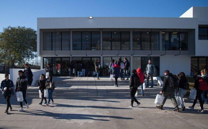 Hurlingham: la Universidad comenzó a dictar talleres de oficios